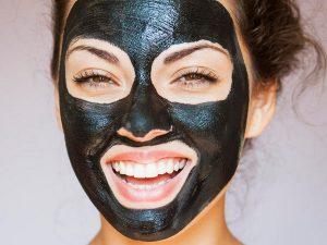 ماسک زغال فعال برای جوش سرسیاه